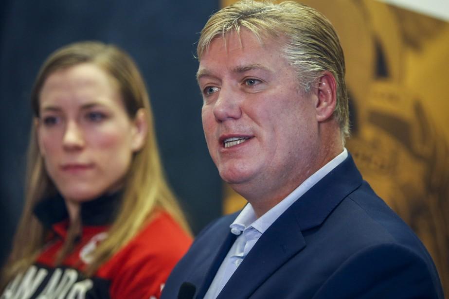 Le docteur BrianBenson, médecin en chef et directeur... (PHOTO JEFF MCINTOSH, LA PRESSE CANADIENNE)