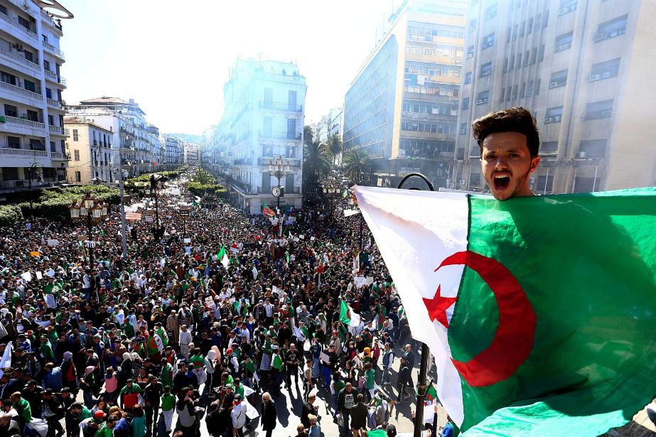 Le président algérien Abdelaziz Bouteflika a... (PHOTO TOUFIK DOUDOU, AP)
