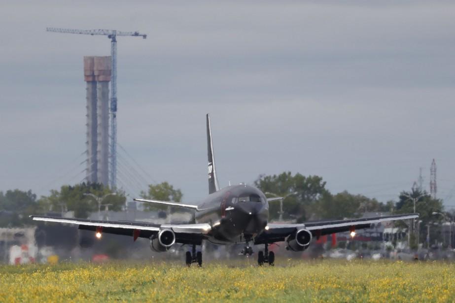 Chrono Aviation et l'Aéroport... (PHOTO MARTIN CHAMBERLAND, ARCHIVES LA PRESSE)