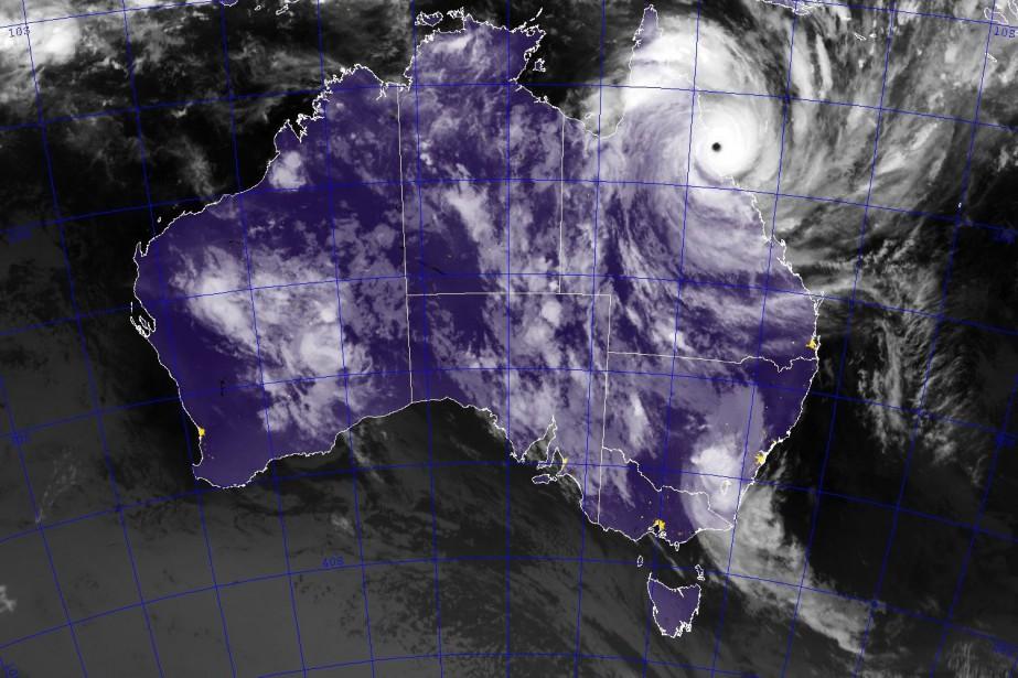 Le cyclone Trevor, actuellement de catégorie 3, était... (PHOTO HO, U.S. NAVAL RESEARCH LABORATORY)