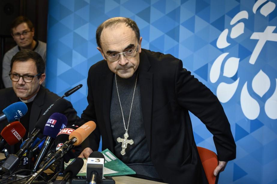 Le cardinal Philippe Barbarin lors d'une conférence de... (PHOTO JEAN-PHILIPPE KSIAZEK, AFP)