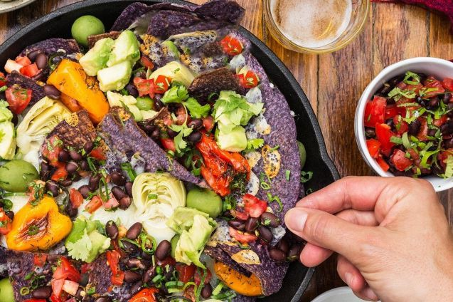 Les nachos à la fourchette, un des classiques... (PHOTO VALÉRIA BISMAR, FOURNIE PAR LES ÉDITIONS DU JOURNAL)
