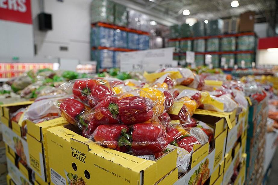 D'une année à l'autre, les consommateurs ont déboursé... (PHOTO MARTIN CHAMBERLAND, ARCHIVES LA PRESSE)