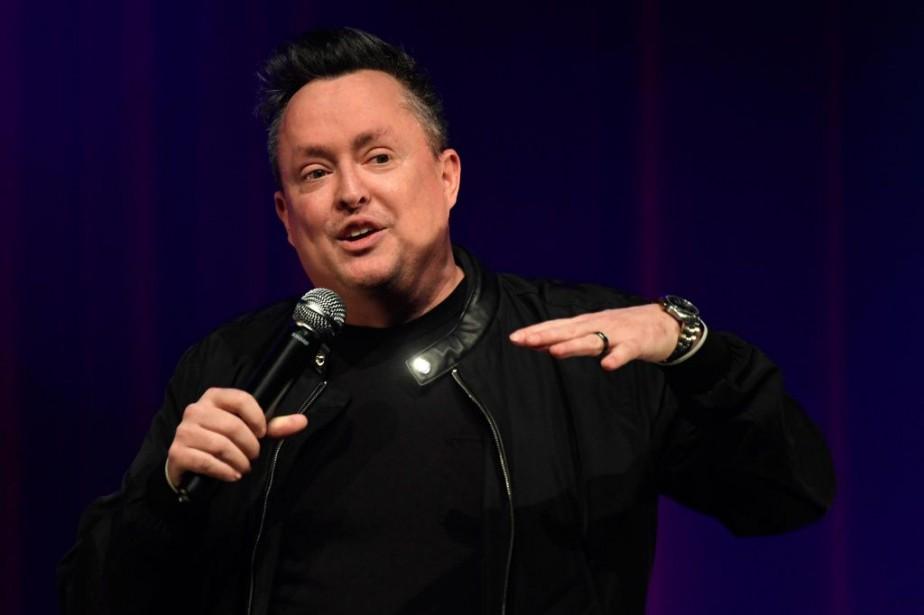Mike Ward présente son spectacle Noir au Club... (PHOTO BERNARD BRAULT, LA PRESSE)