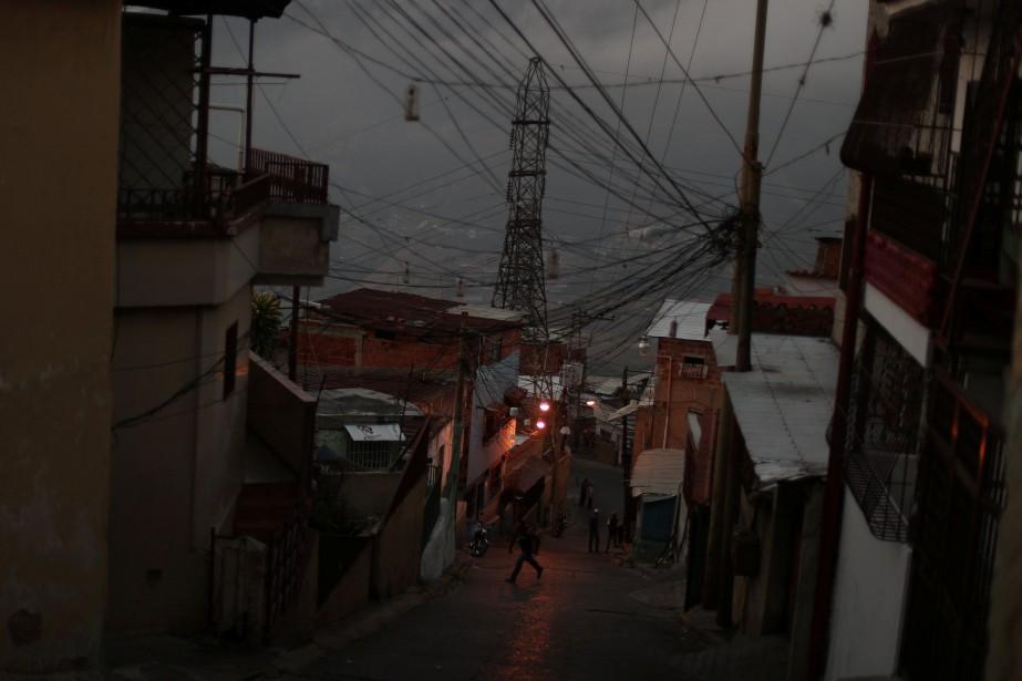 Les rues de Caracas.... (PHOTO IVAN ALVARADO, ARCHIVES REUTERS)