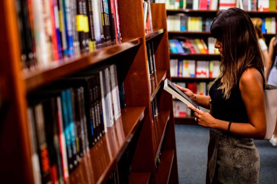 Une étude de Cleantech estime qu'un livre papier... (PHOTO MIGUELMEDINA, ARCHIVES AGENCE FRANCE-PRESSE)