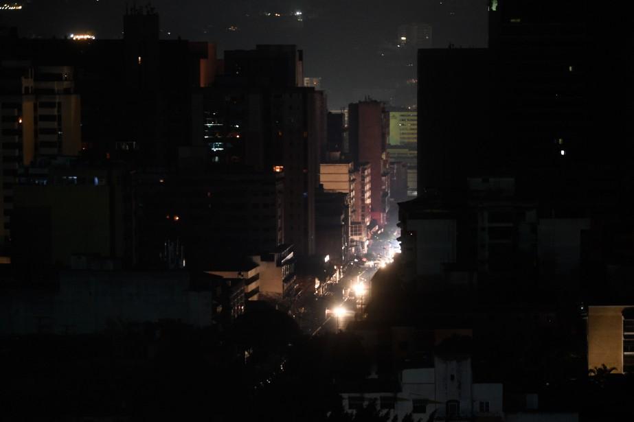 La coupure de courant s'est produite aux environs... (PHOTO FEDERICO PARRA, AGENCE FRANCE-PRESSE)