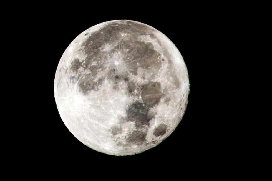 Les Américains devraient retourner sur la Lune dès... (PHOTO RODGER BOSCH, ARCHIVES AGENCE FRANCE-PRESSE)