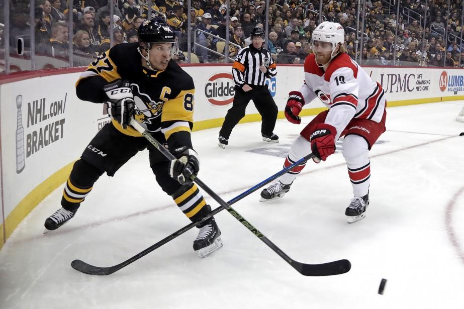 Patric Hornqvist a signé un 18e but et les Penguins... (PHOTO GENE J. PUSKAR, AP)