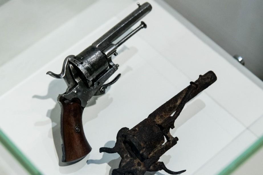 Le revolver a été accueilli par le Musée... (PHOTO ROBIN VAN LONKHUIJSEN, ARCHIVES AFP)