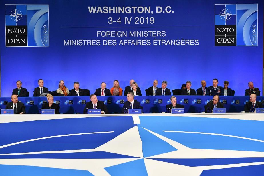 Jeudi, à l'ouverture d'une réunion des ministres des... (PHOTO AFP)