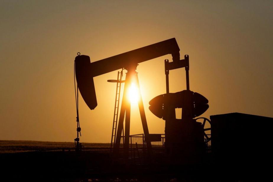 Un puits de pétrole près de Calgary, en... (PHOTO TODD KOROL, ARCHIVES REUTERS)