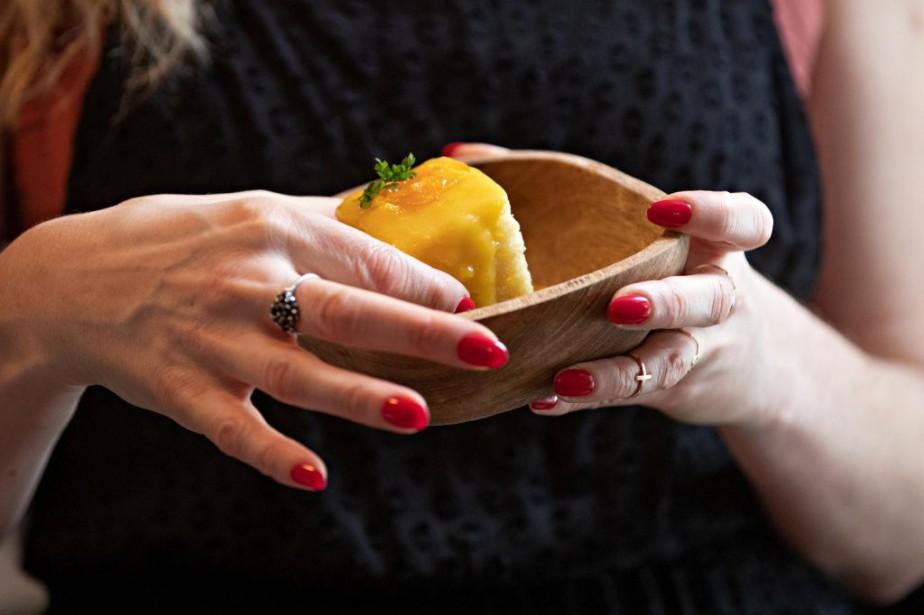 Un petit gâteau au citron de Stephanie Darwish... (PHOTO PATRICK SANFAÇON, LA PRESSE)