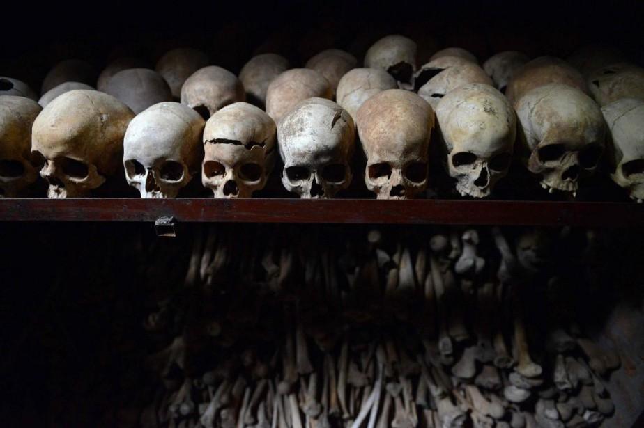 Des crânes sont présentés dans une église de... (PHOTO SIMON MAINA, ARCHIVES AGENCE FRANCE-PRESSE)