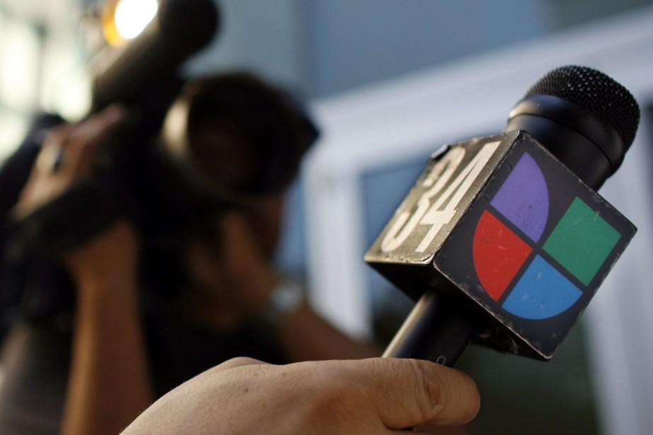 Univision est historiquement spécialisé dans les médias en... (PHOTO DAMIAN DOVARGANES, AP)