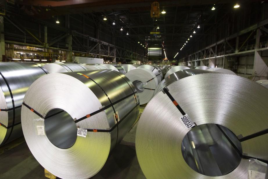 Alors que l'industrie sidérurgique canadienne est visée par... (PHOTO PETER POWER, LA PRESSE CANADIENNE)