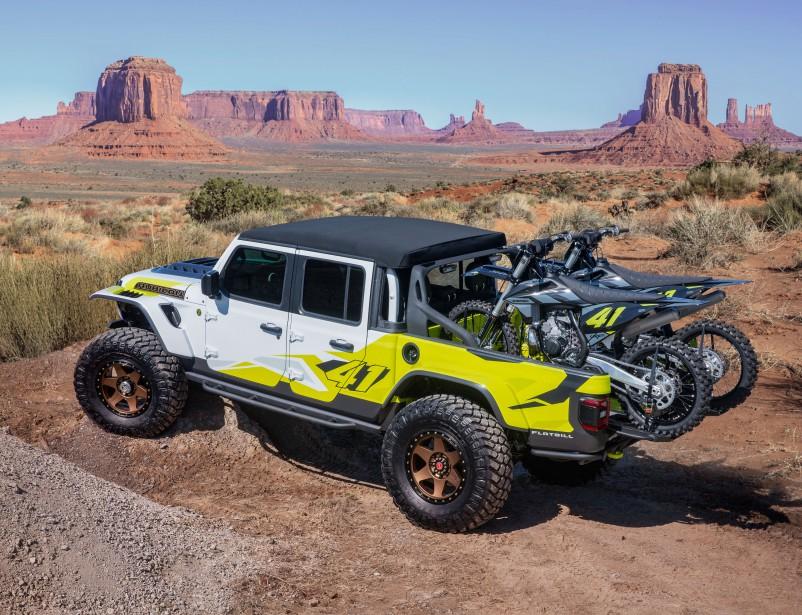 Le Jeep Gladiator Flatbill permet d'amener deux motos là où on peut normalement espérer ne pas en entendre. | 8 avril 2019