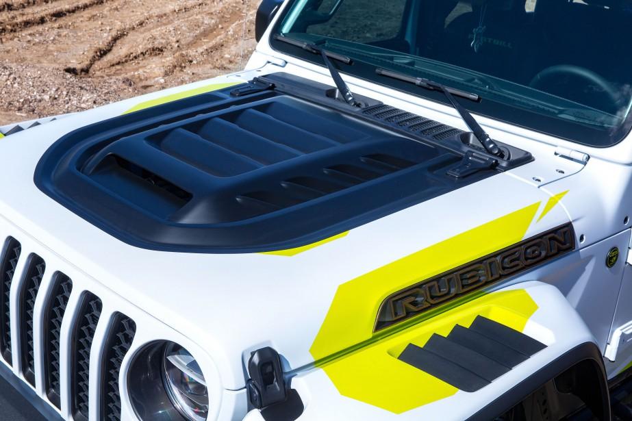 Avec ce capot, le moteur Jeep Gladiator Flatbill ne devrait pas avoir de problème de ventilation. ()