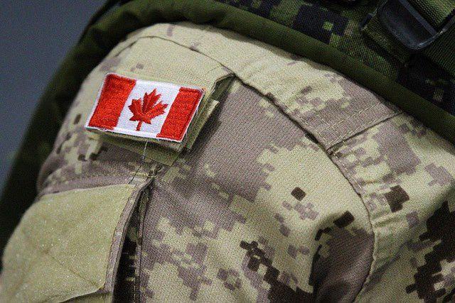 Le comité a constaté que les militaires menaient... (PHOTO LARS HAGBERG, ARCHIVES LA PRESSE CANADIENNE)