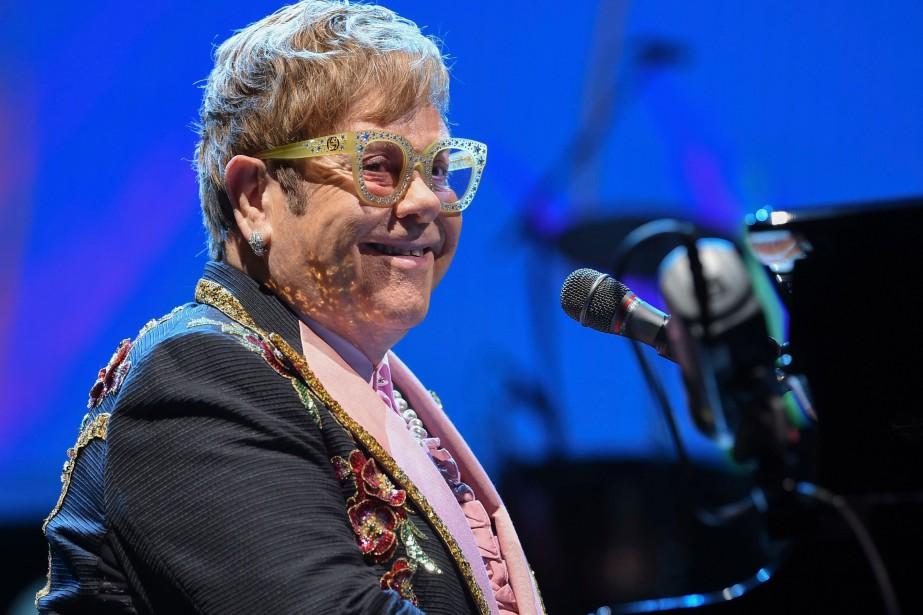 Elton John... (PHOTO EVAN AGOSTINI, ARCHIVES AP)