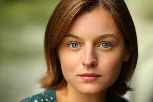 Emma Corrin... (PHOTO FAYE THOMAS, TIRÉE DU SITE IMDB)