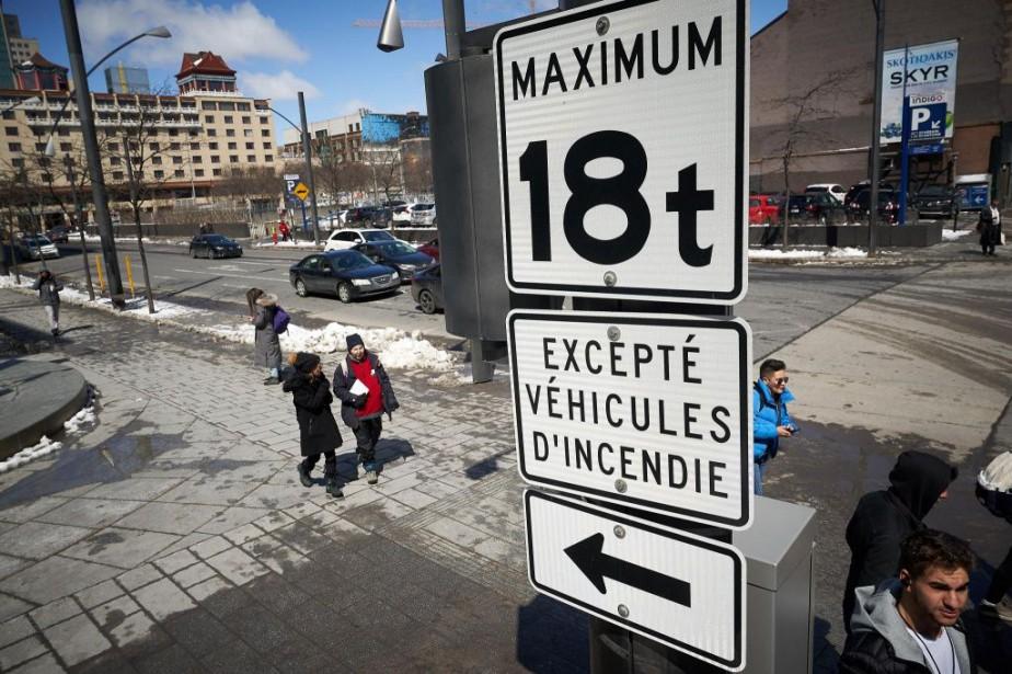 Le ministère des Transportsa décidé d'imposer une limite... (PHOTO ANDRÉ PICHETTE, LA PRESSE)