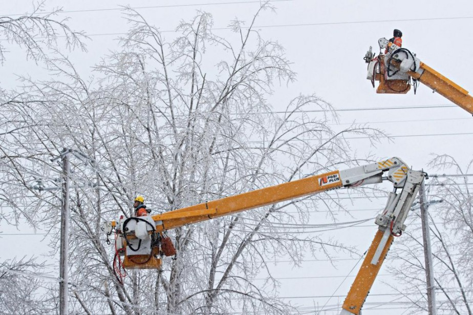 Le réseau de distribution d'Hydro-Québec compte plus de... (PHOTO PATRICK SANFAÇON, LA PRESSE)