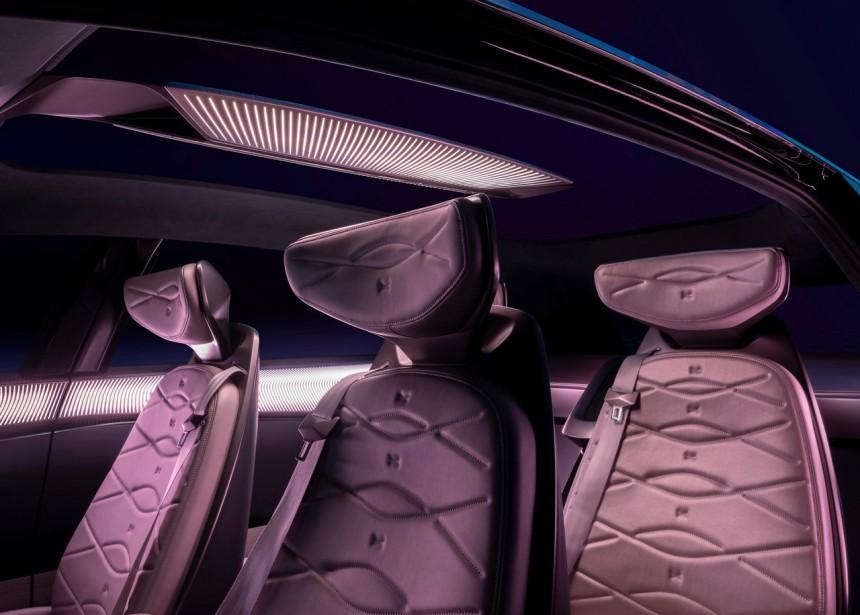 Le tissu des sièges est fait de matériaux recyclables. | 16 avril 2019