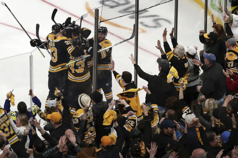 Les Bruins éliminent les Maple Leafs lors du 7e match
