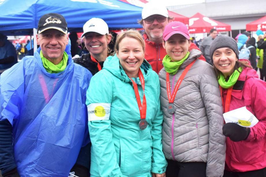 Des membres de l'équipe du département de radio-oncologie... (Photo fournie par la Fondation)