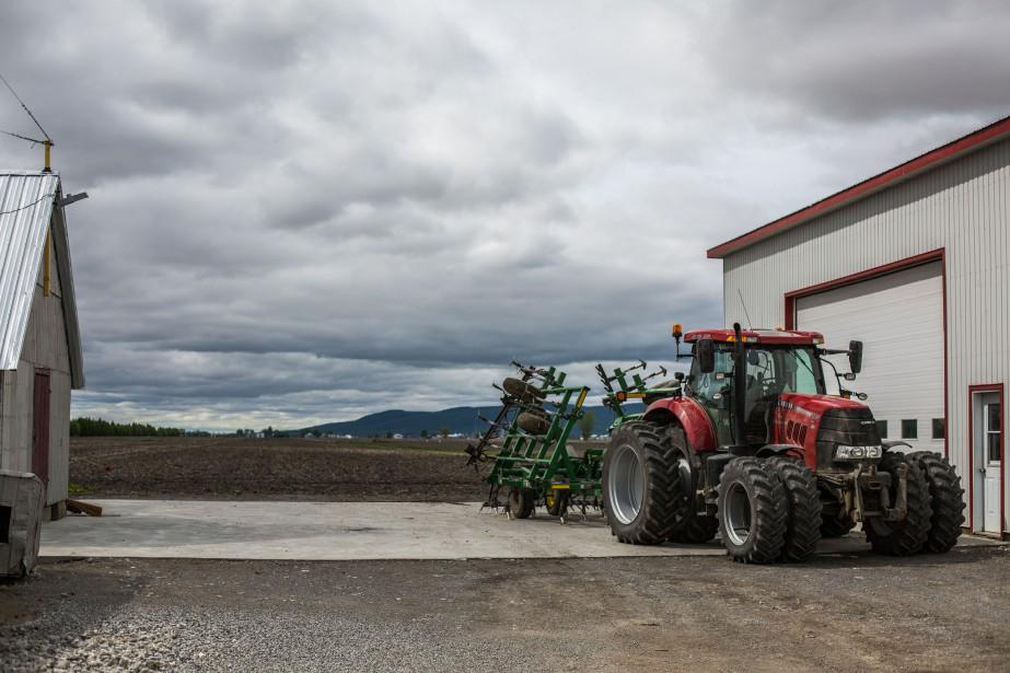 Pesticides: Legault veut revoir la liste des maladies professionnelles