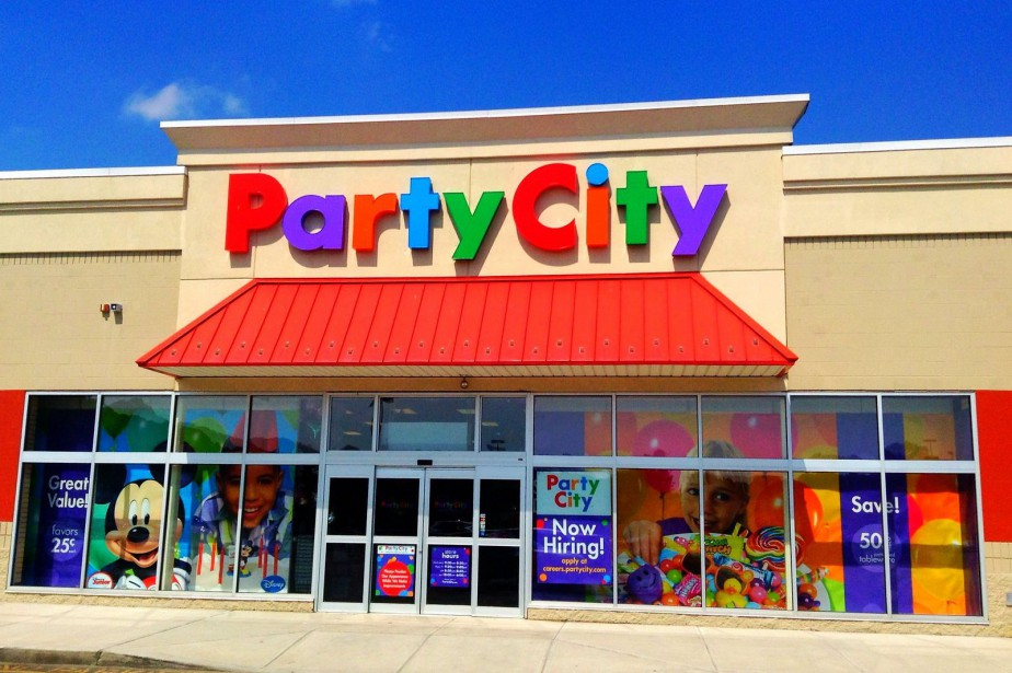Canadian Tire acquiert 65 magasins Party City