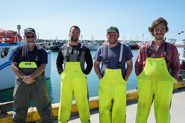 Les quatre pêcheurs de <em>La course folle</em> : Julien Boudreau, Dominic Éloquin, Maxime Poirier et Olivier Renaud. ()