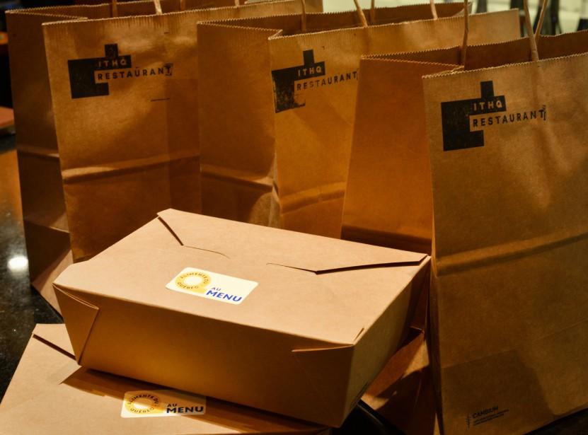 Des repas pour emporter aux saveurs d'ici au Restaurant de Institut de tourisme et d'hôtellerie du Québec (ITHQ). ()
