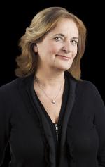 Nathalie Petrowski | Dehors la politique, bonjour la musique