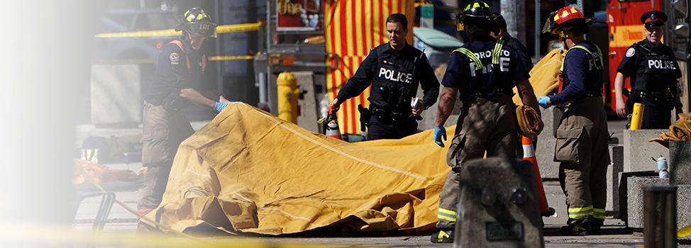 Piétons happés par une fourgonnette à Toronto: 9morts et 16blessés